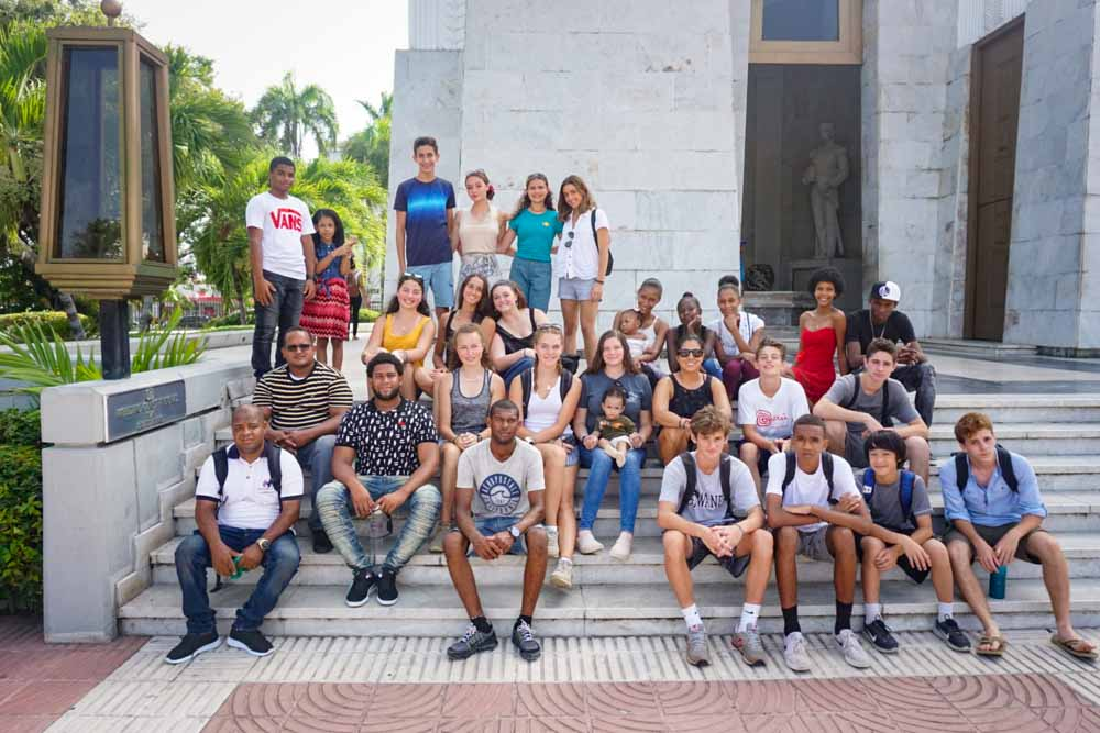 Group on the stairs in DR